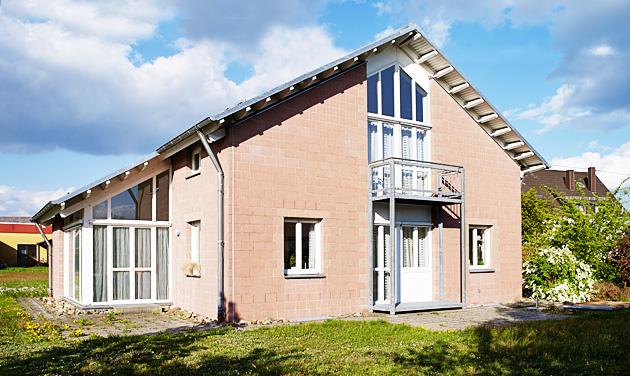 R der architekten und ingenieure haus m losheim for Betreutes wohnen trier